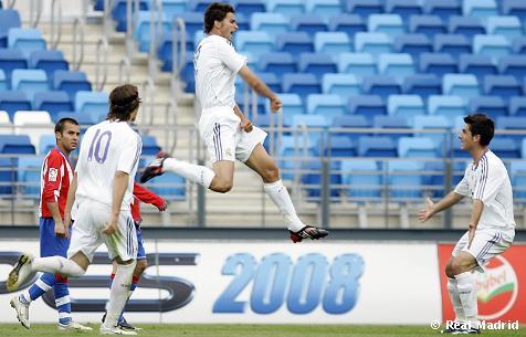 Радость Маркоса Тебара после забитого второго мяча