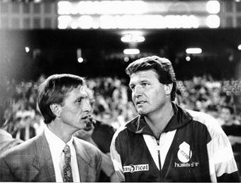 """Дуэль тренеров  """"Барсы """" и  """"Мадрида """" - Круиффа и Джона Тошака."""
