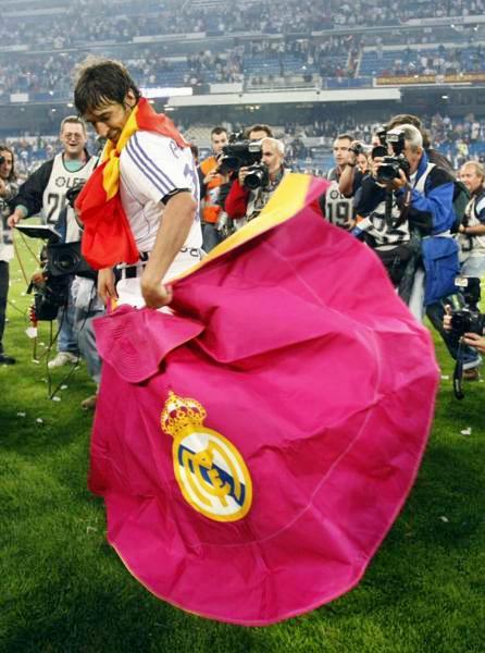 Рауль празднует чемпионство